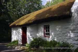 old_irish_cottage-thestewartsinireland.ie